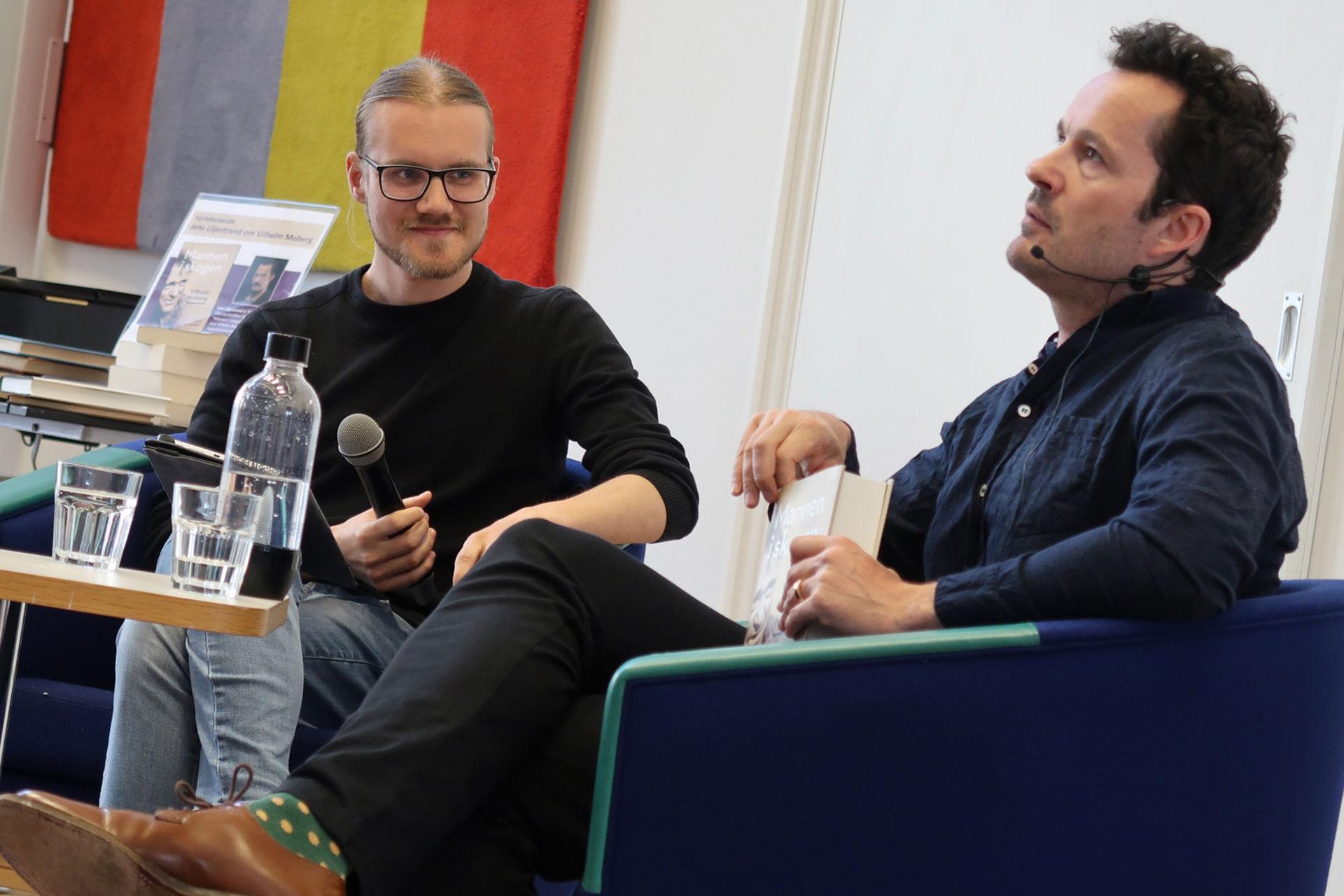 Moderator i ett samtal om Vilhelm Moberg med Jens Liljestrand